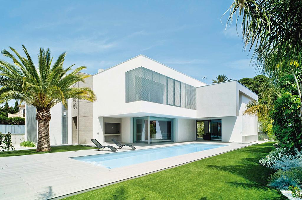 Unifamiliar minimalista fachada