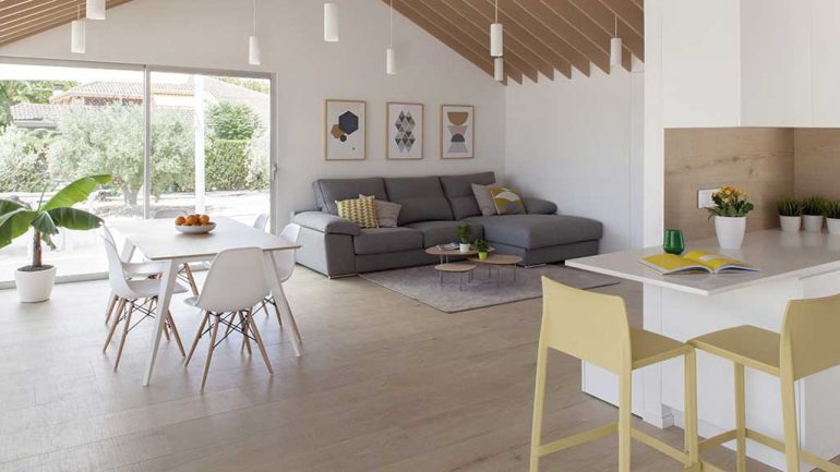 Vivienda sostenible. Muñoz Payá arquitectos. Salón